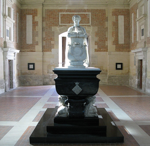 Chateau-Anet-tomb-of-Diane-de-Poitiers