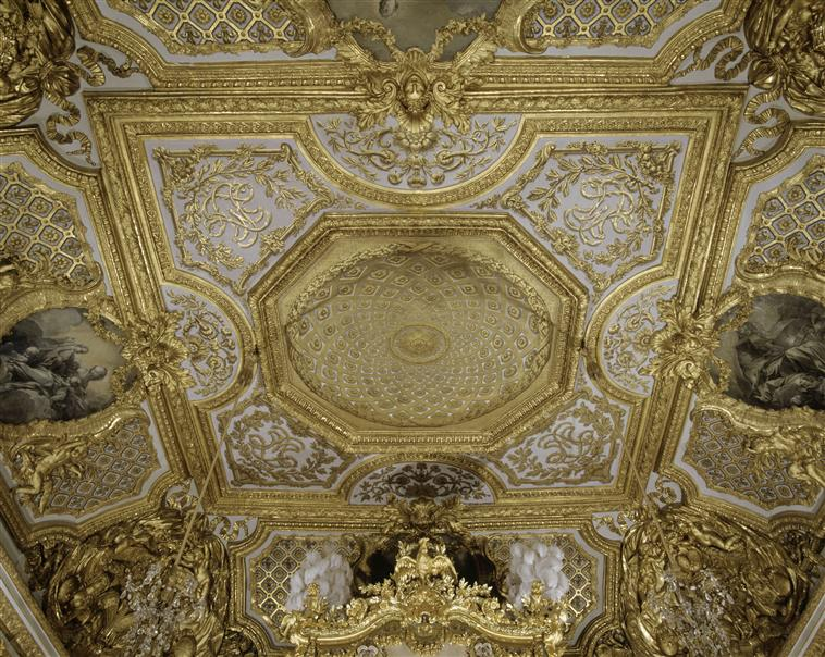 Pleasant Queen Marie Antoinettes Bedchamber At Versailles Interior Design Ideas Apansoteloinfo