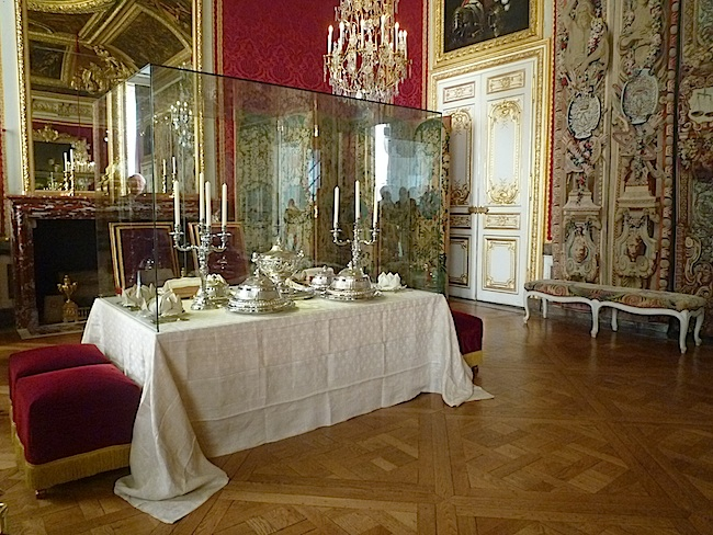 The Salon Of The Grand Couvert At Versailles: The Room Where Marie  Antoinette Did Not Have Dinner